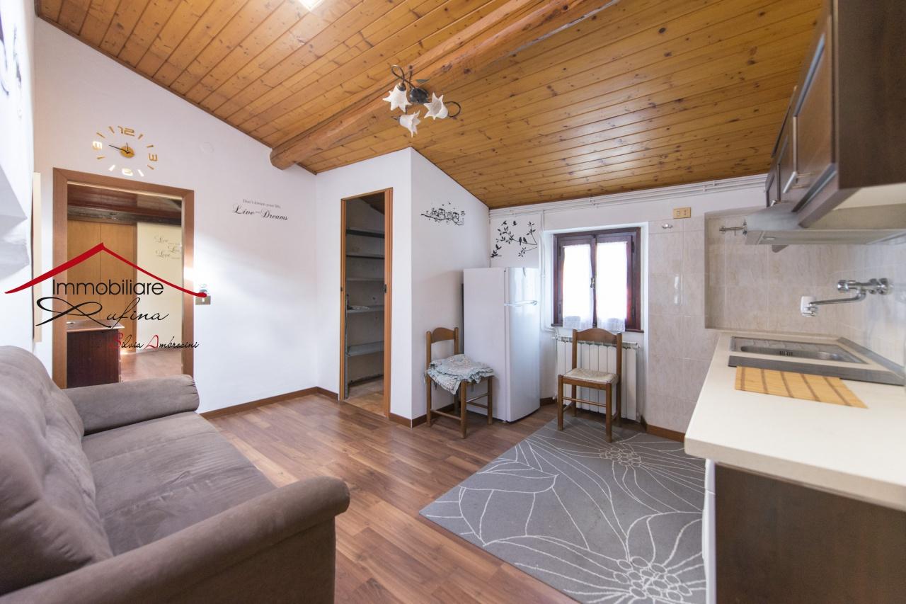 Appartamento in ottime condizioni in vendita Rif. 8869164