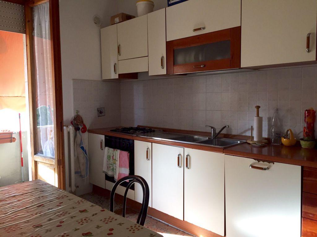 Appartamento in buone condizioni in vendita Rif. 10046630