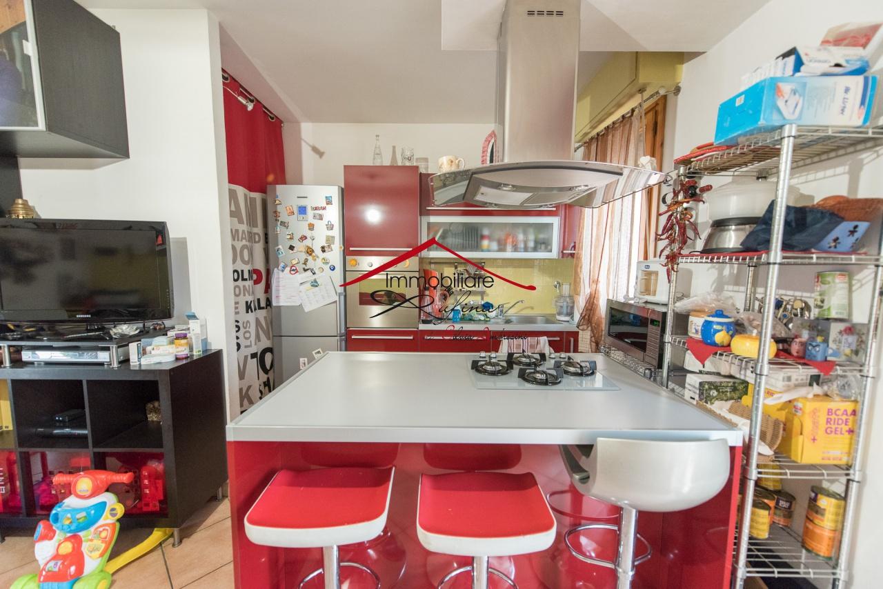 Appartamento in ottime condizioni arredato in vendita Rif. 10094463