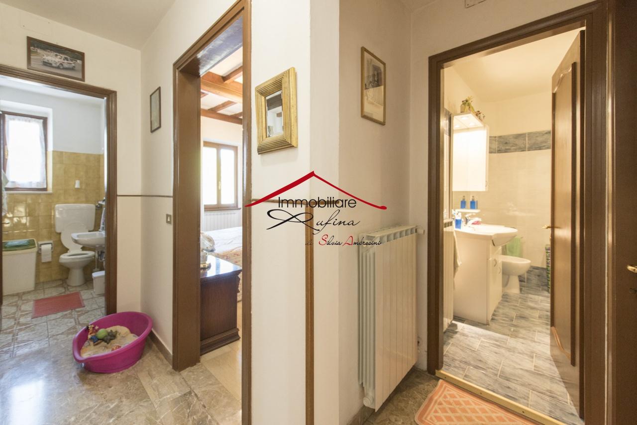 Appartamento in buone condizioni in vendita Rif. 10094471