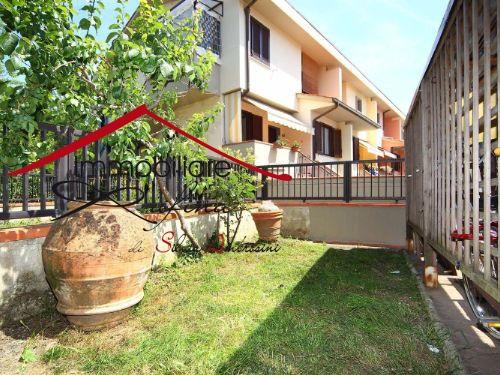 Appartamento in buone condizioni in vendita Rif. 10338005