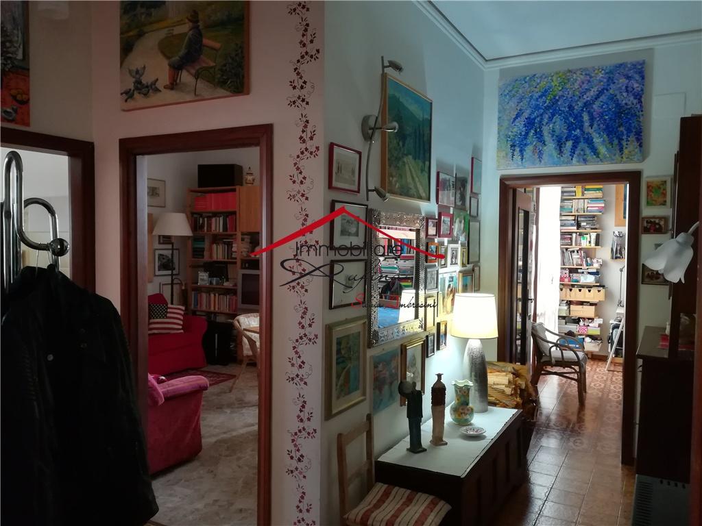 Appartamento in buone condizioni in vendita Rif. 10545241