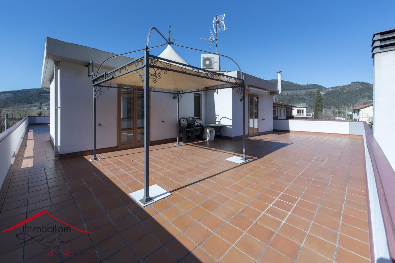 Appartamento in ottime condizioni in vendita Rif. 10545248