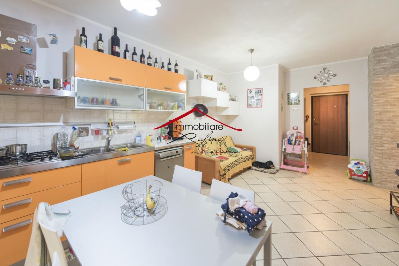 Appartamento in ottime condizioni in vendita Rif. 10545252