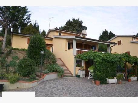 Villa in buone condizioni in vendita Rif. 10877170