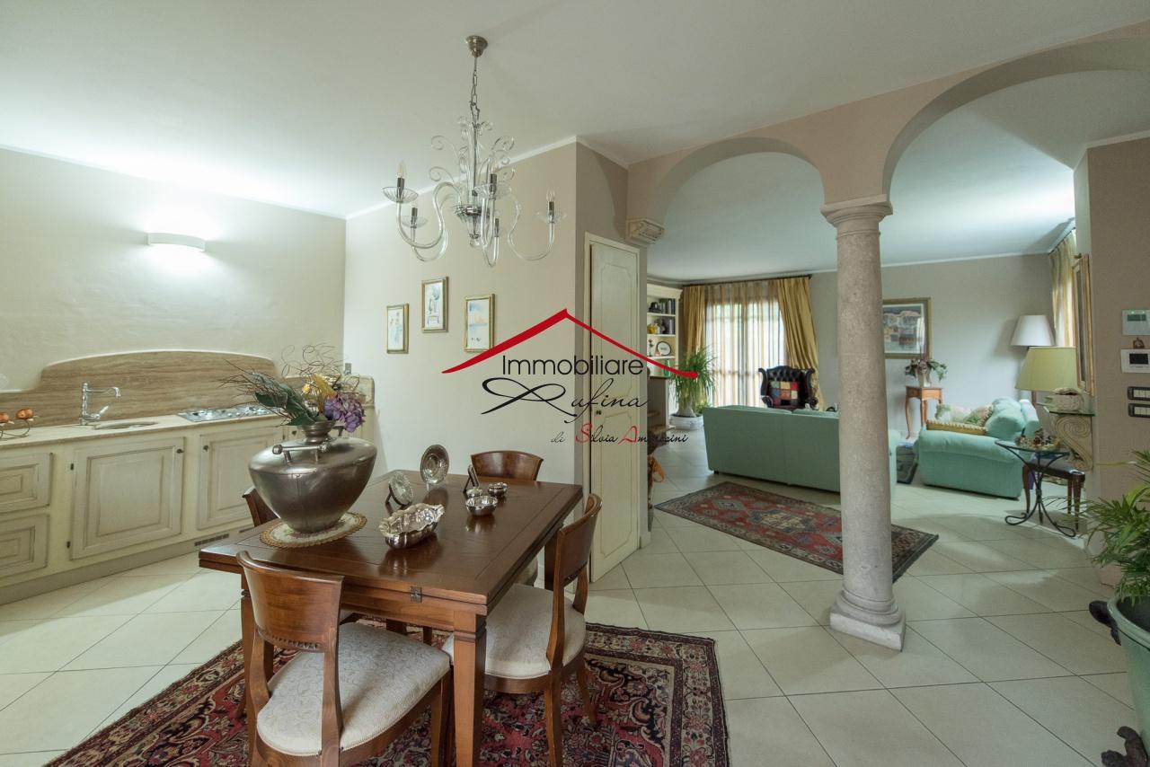 Villa in ottime condizioni in vendita Rif. 10877165