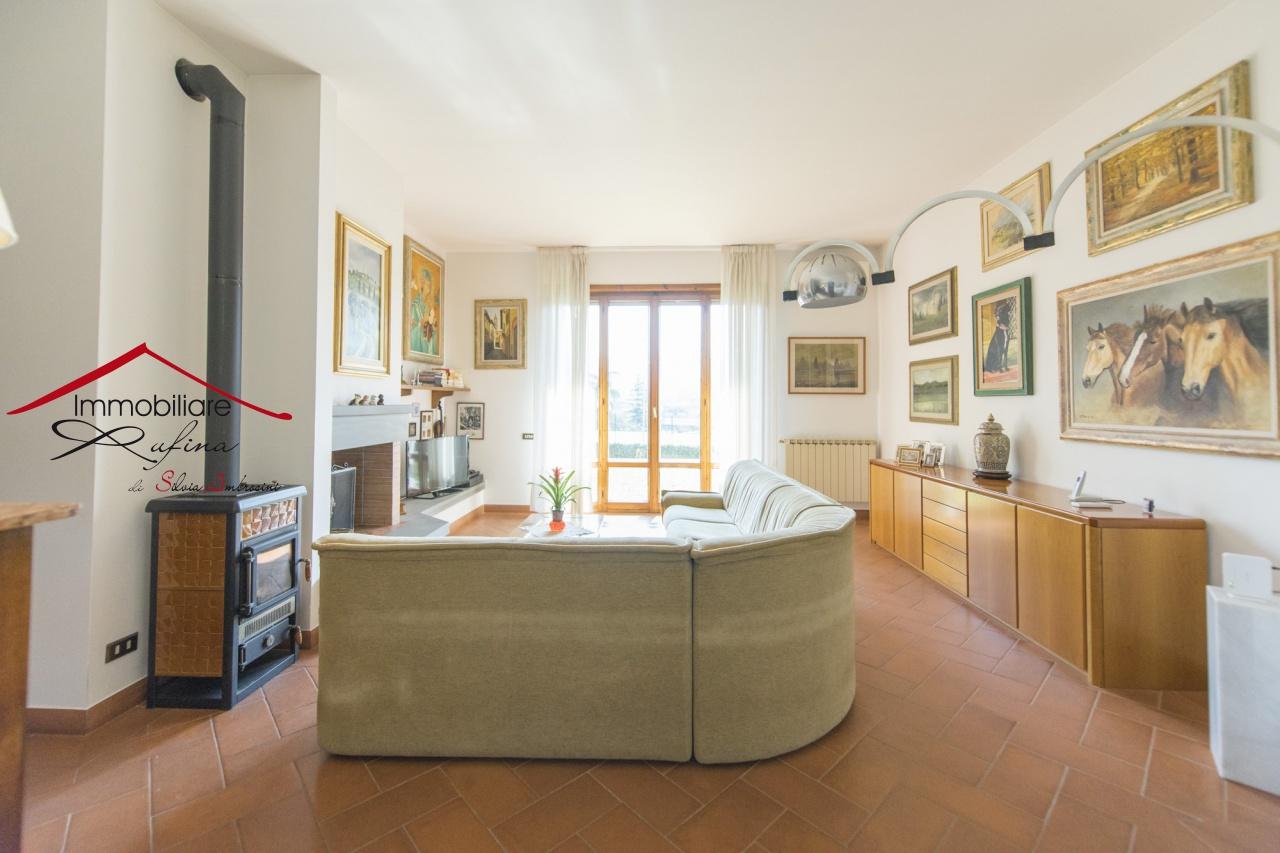 Villa in buone condizioni in vendita Rif. 10905531