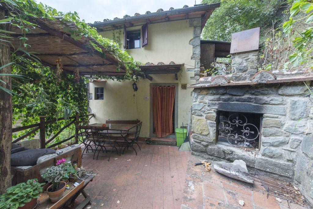 Casa Indipendente in buone condizioni in vendita Rif. 10967821