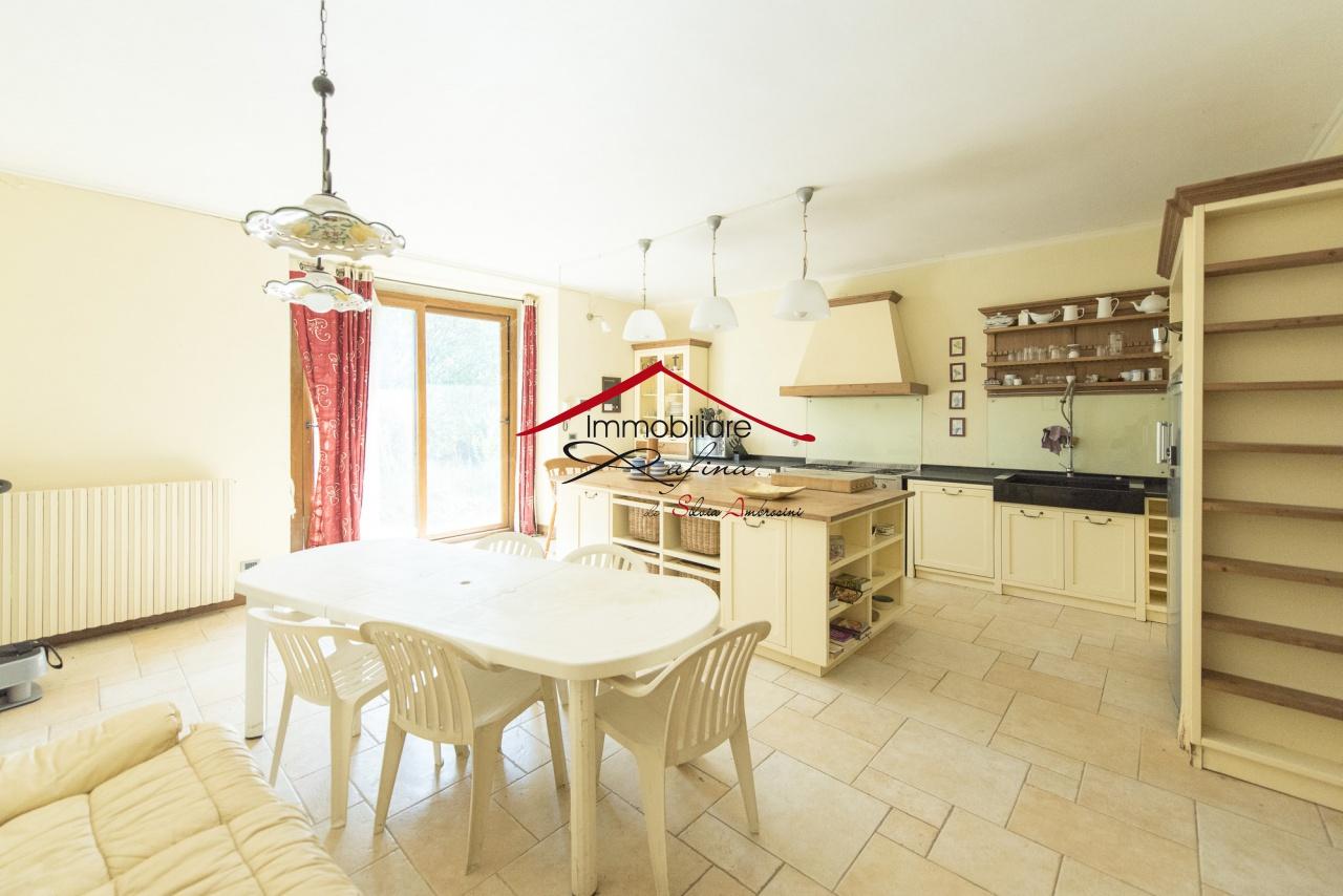 Rustico / Casale in ottime condizioni in vendita Rif. 11188902