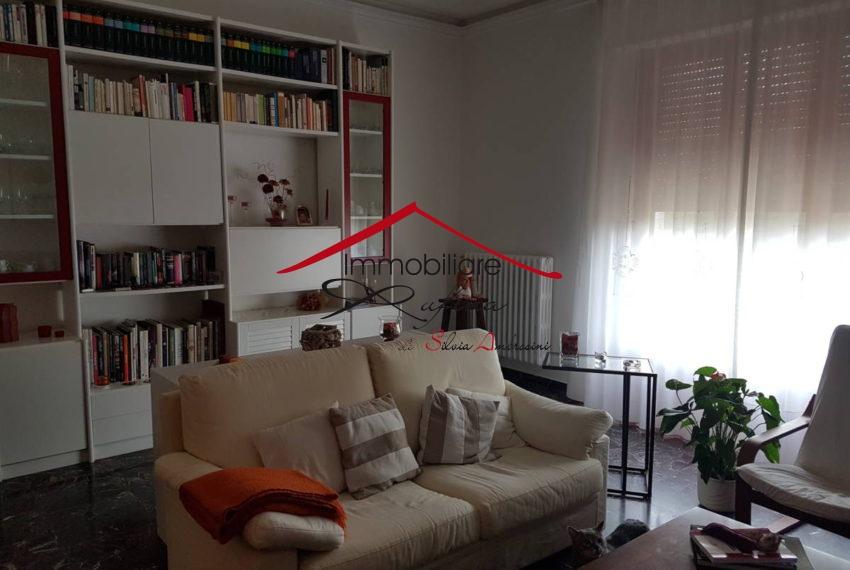 Casa Indipendente in buone condizioni in vendita Rif. 11254408