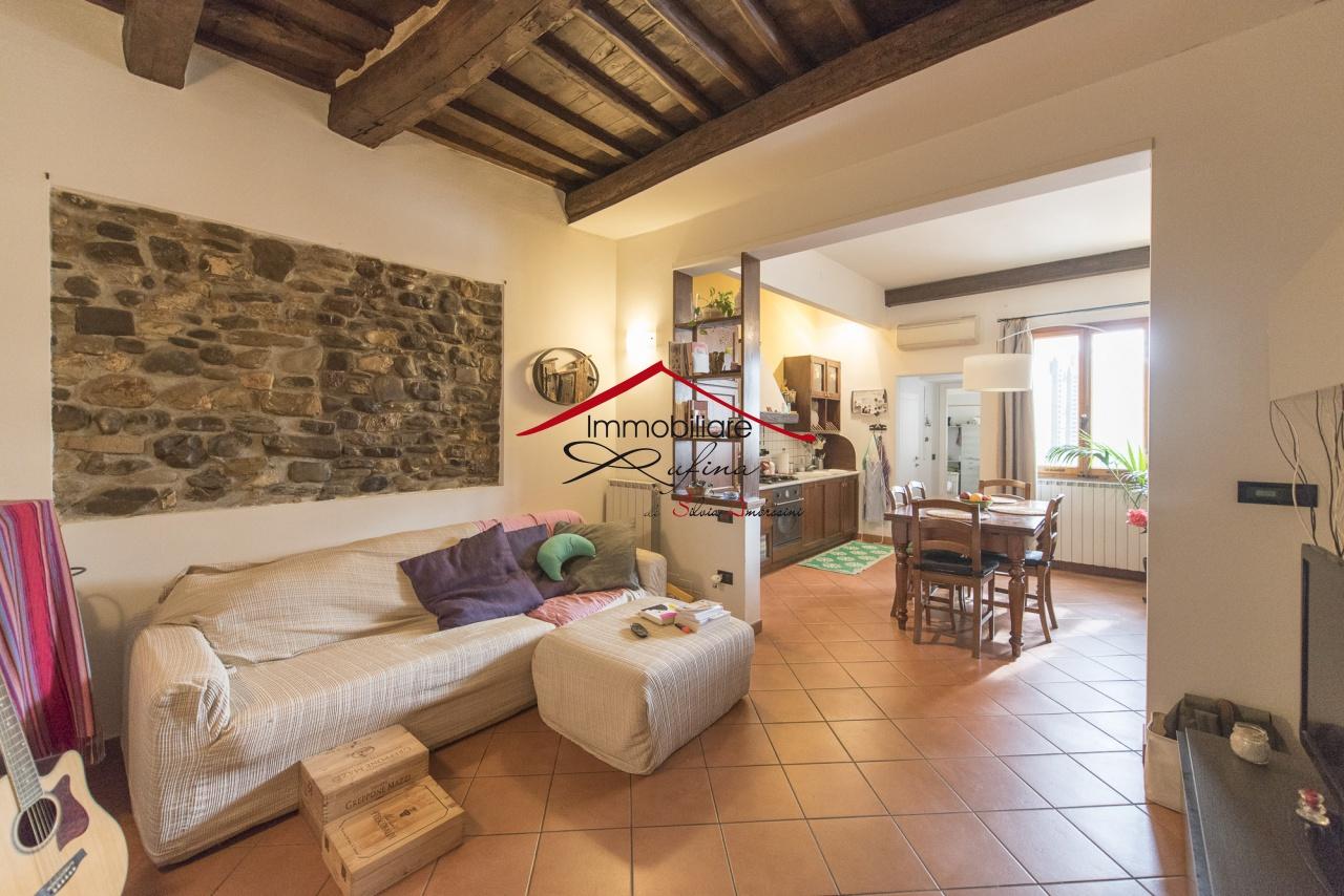 Appartamento in ottime condizioni in vendita Rif. 11280668