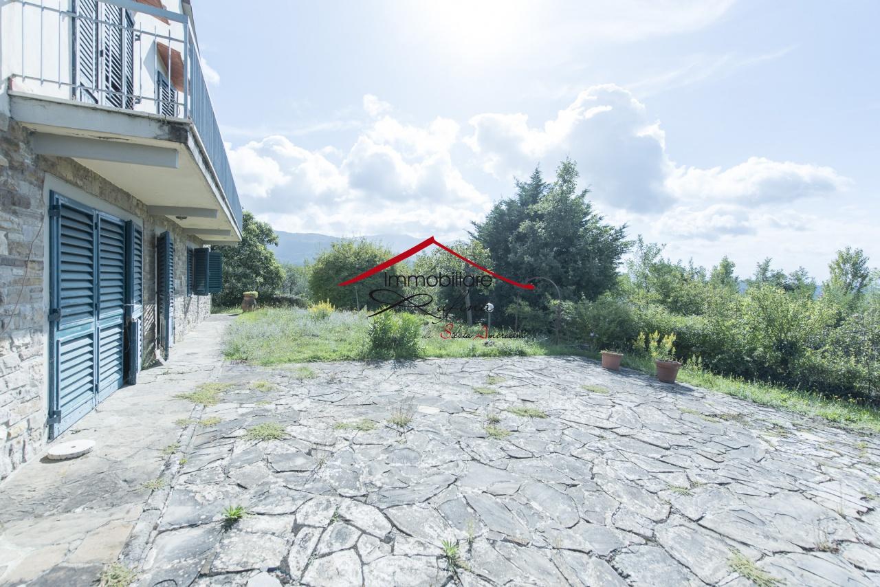 Villa in buone condizioni arredato in vendita Rif. 11280669