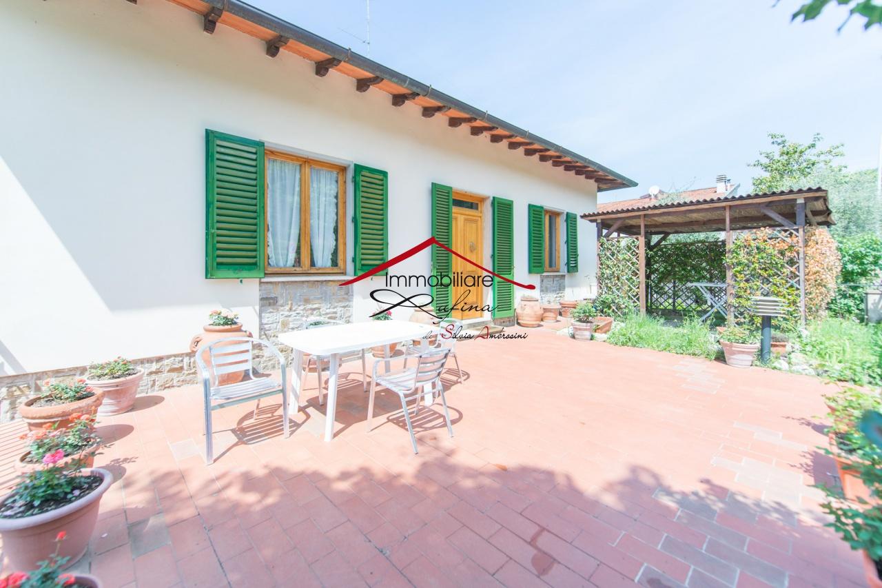Appartamento in buone condizioni in vendita Rif. 11638575