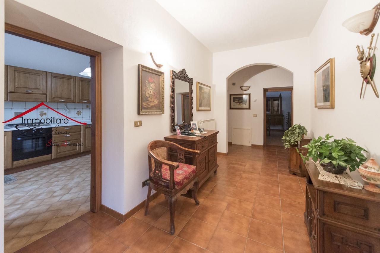 Casa Indipendente in buone condizioni in vendita Rif. 11638574