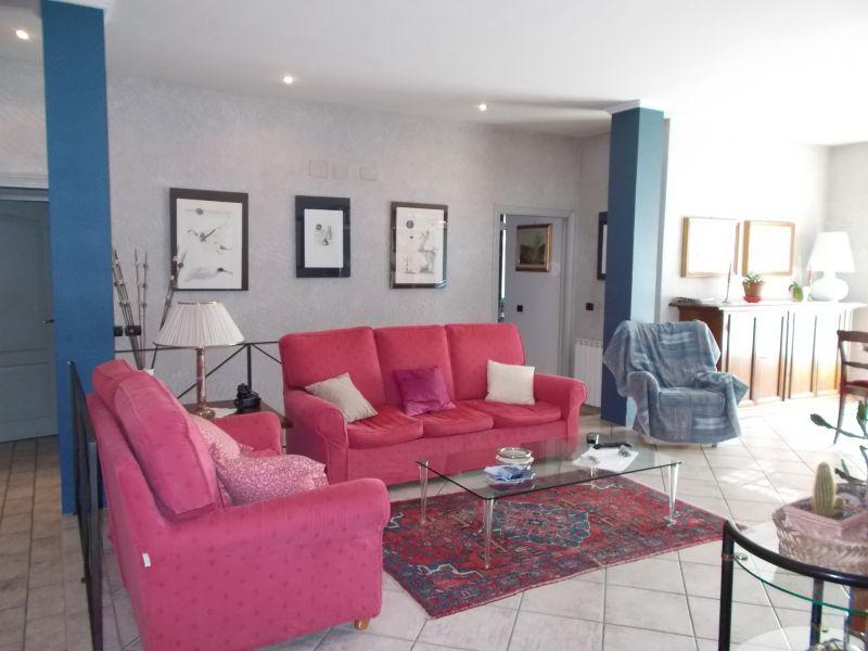 Appartamento in ottime condizioni in vendita Rif. 11656400