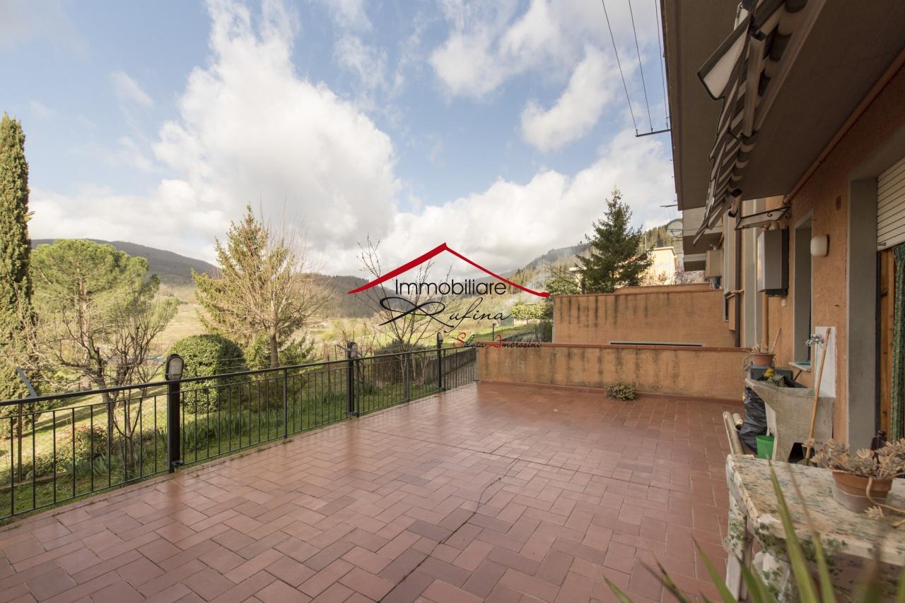 Appartamento in buone condizioni in vendita Rif. 11722937