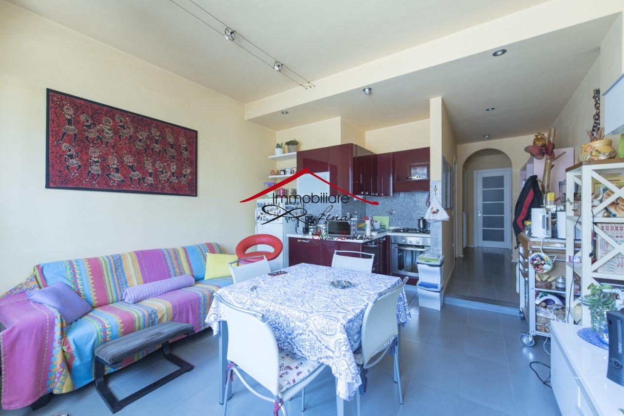 Appartamento in ottime condizioni in vendita Rif. 11722939