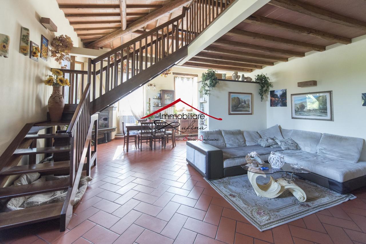 Appartamento in ottime condizioni in vendita Rif. 11733005
