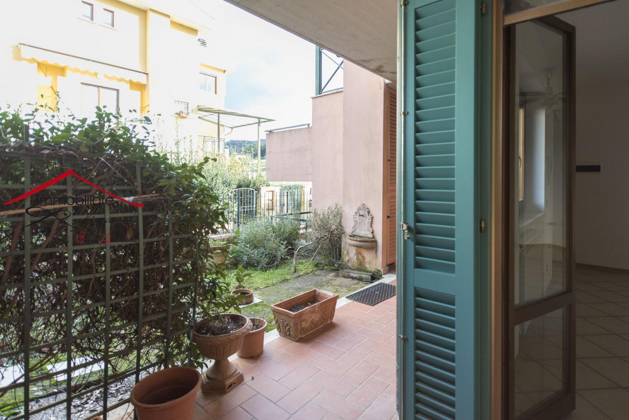 Appartamento in ottime condizioni in vendita Rif. 11826484