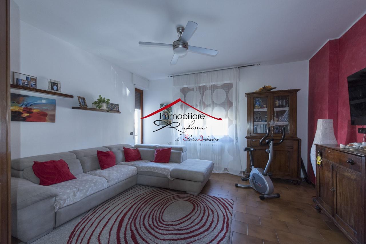 Appartamento in buone condizioni in vendita Rif. 11846963