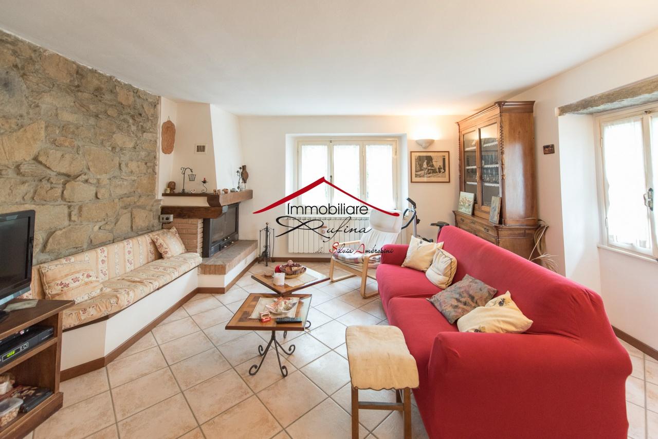 Appartamento in buone condizioni in vendita Rif. 11846967