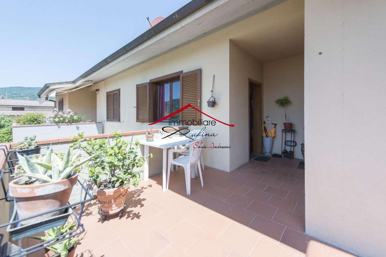 Appartamento in buone condizioni in vendita Rif. 11938121