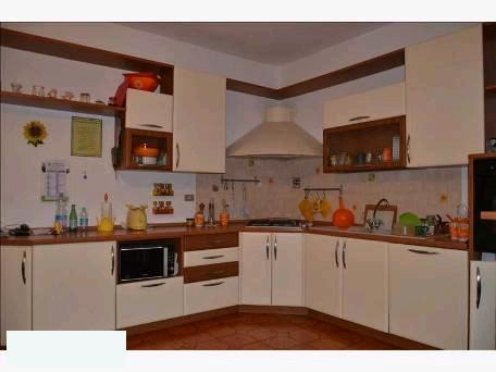 Appartamento in vendita a Rufina, 4 locali, prezzo € 128.000 | PortaleAgenzieImmobiliari.it