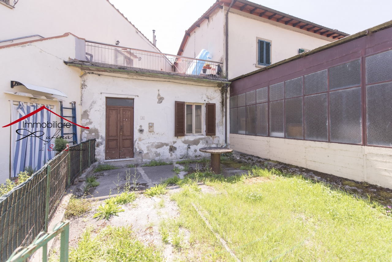Appartamento in vendita a Rufina, 4 locali, prezzo € 60.000 | PortaleAgenzieImmobiliari.it