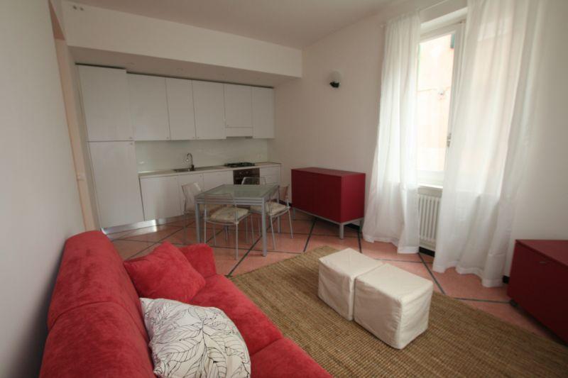 Nella caratteristica zona del Poro affittasi grazioso appartamento sia con contratto annuale che stagionale