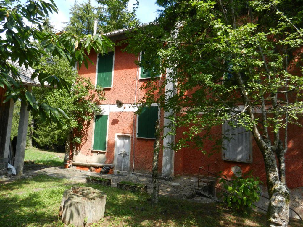 Villa a Schiera in vendita a Rezzoaglio, 10 locali, prezzo € 390.000 | CambioCasa.it