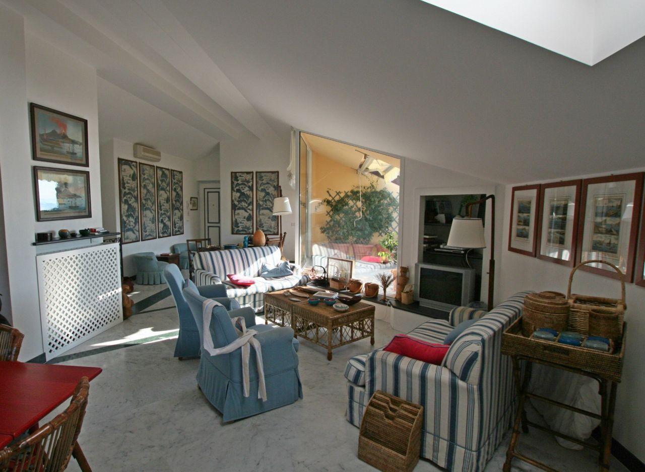 Appartamento in ottime condizioni in vendita Rif. 8263726