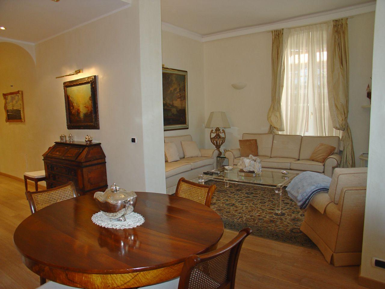 Appartamento ristrutturato arredato in vendita Rif. 8263727