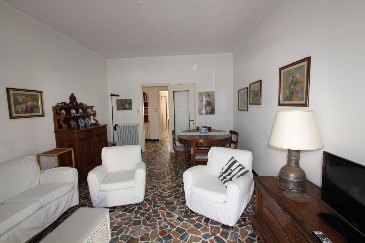 Appartamento in buone condizioni in vendita Rif. 8945051