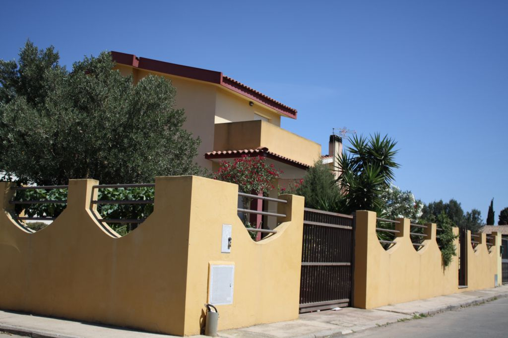 Villa in vendita a Capoterra, 3 locali, prezzo € 145.000 | CambioCasa.it