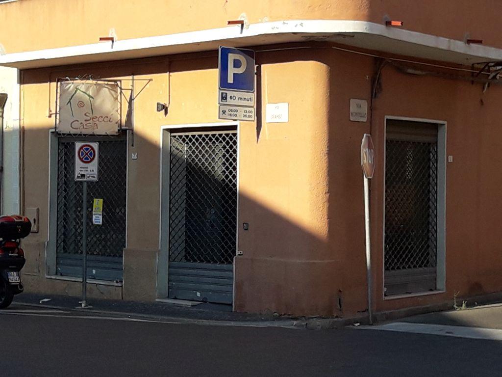 Negozio / Locale in affitto a Capoterra, 1 locali, prezzo € 800   Cambio Casa.it