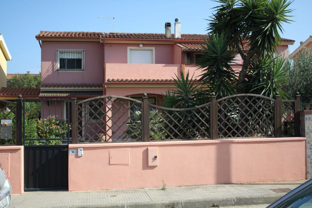 Villa a Schiera in affitto a Capoterra, 4 locali, prezzo € 650 | Cambio Casa.it