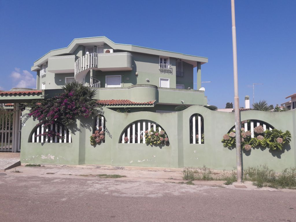 Villa a Schiera in affitto a Capoterra, 5 locali, zona Località: frutti d'oro, prezzo € 650 | Cambio Casa.it