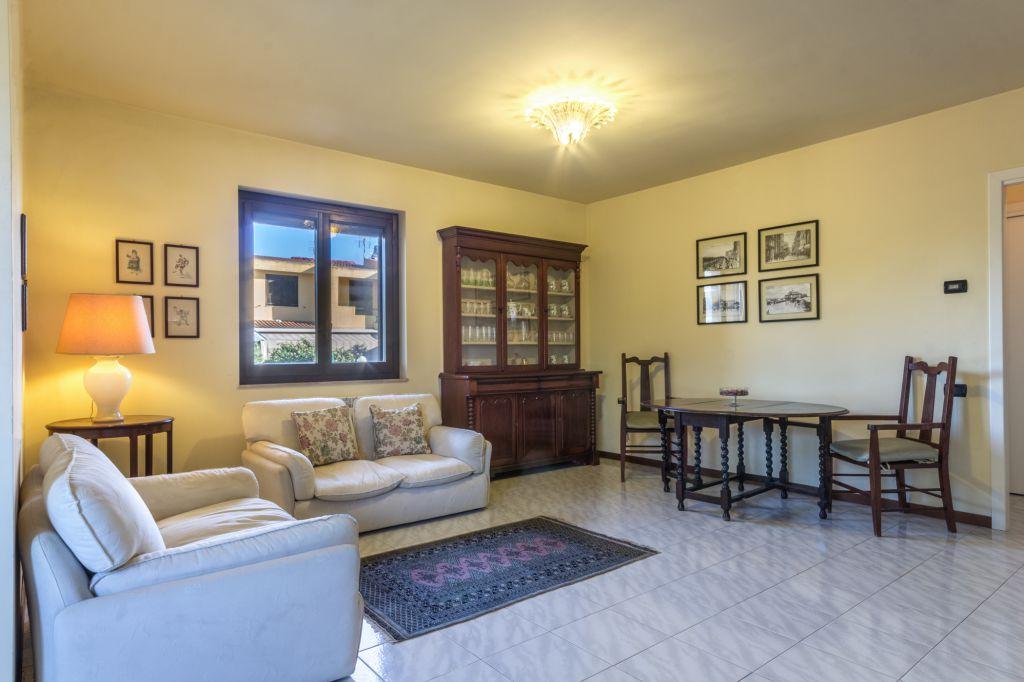 Villa in vendita a Capoterra, 5 locali, zona Località: Torre degli Ulivi, prezzo € 190.000 | Cambio Casa.it