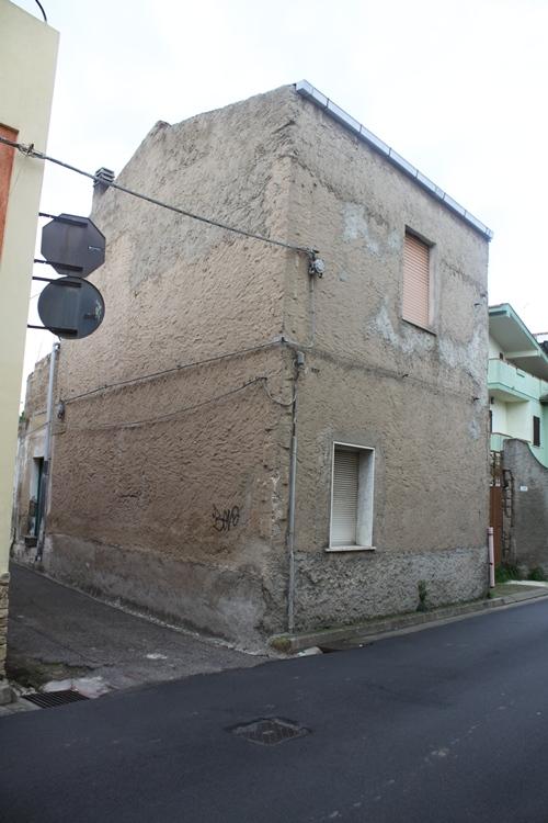 Soluzione Indipendente in vendita a Assemini, 4 locali, prezzo € 60.000   Cambio Casa.it