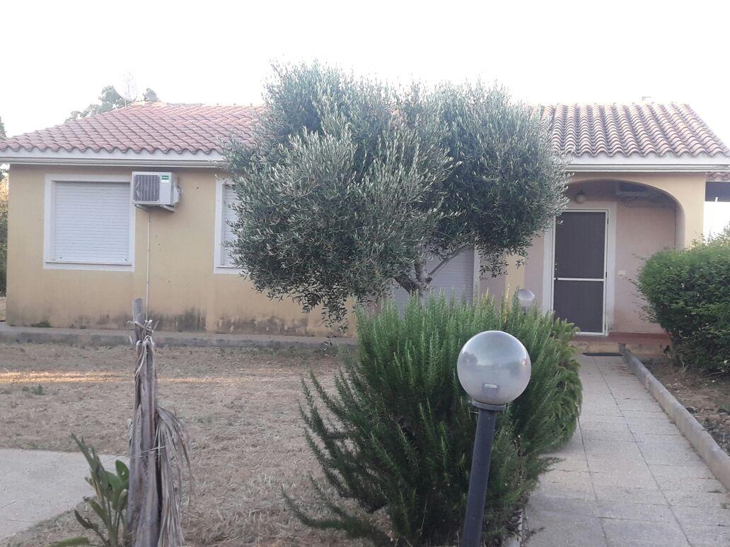Villa in vendita a Capoterra, 5 locali, prezzo € 205.000 | CambioCasa.it