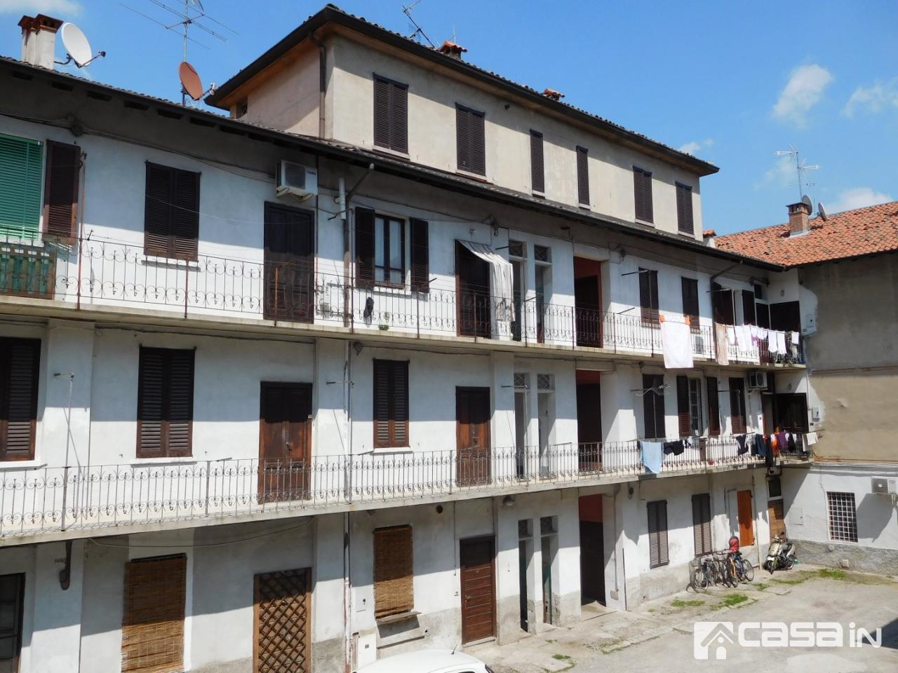 Appartamento da ristrutturare arredato in vendita Rif. 12142091