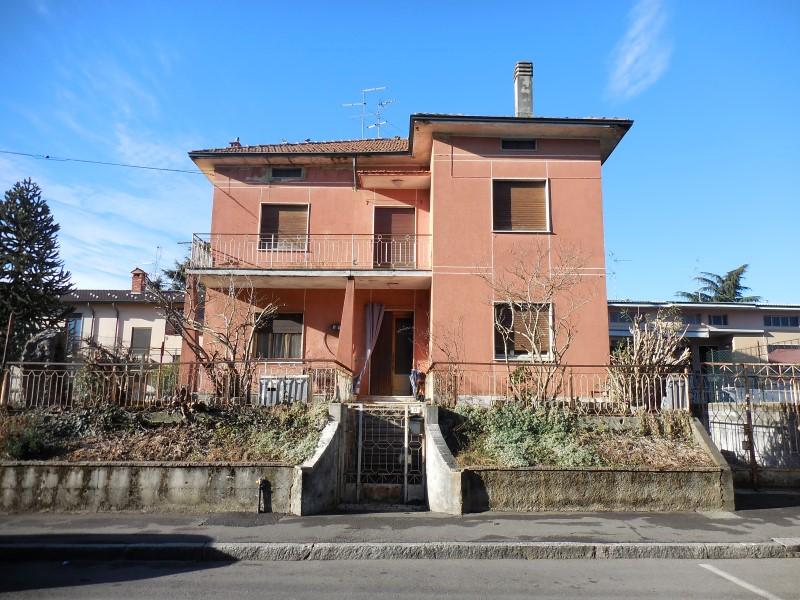 Soluzione Indipendente in vendita a Capriate San Gervasio, 8 locali, prezzo € 173.000 | Cambio Casa.it