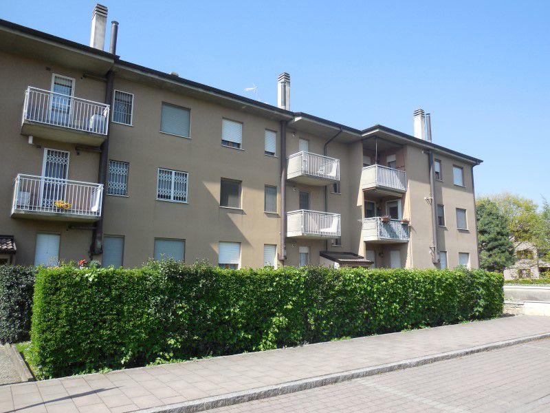 Appartamento in vendita a Capriate San Gervasio, 3 locali, prezzo € 93.000 | Cambio Casa.it