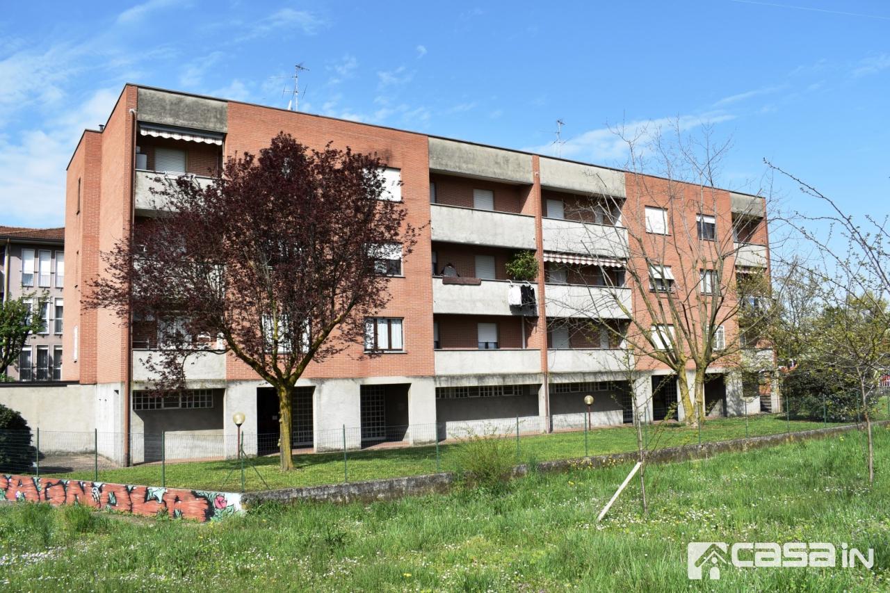 Appartamento in vendita a Canonica d'Adda, 4 locali, prezzo € 115.000 | CambioCasa.it