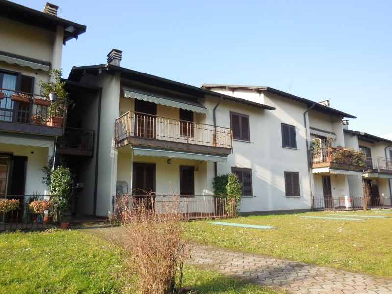Appartamento in vendita a Capriate San Gervasio, 3 locali, prezzo € 130.000 | Cambio Casa.it