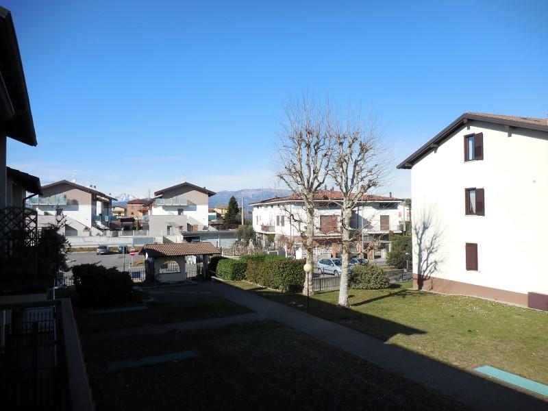Appartamento in vendita a Capriate San Gervasio, 3 locali, prezzo € 115.000 | Cambio Casa.it