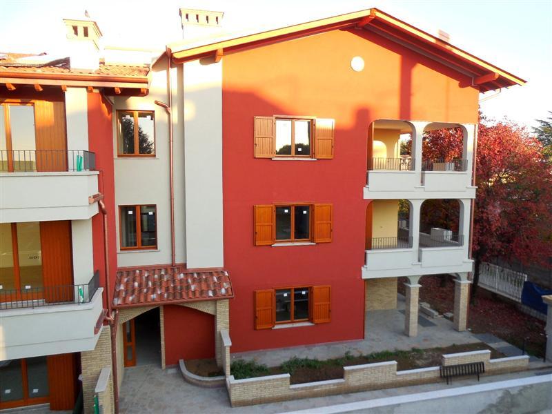 Appartamento in vendita a Vaprio d'Adda, 4 locali, prezzo € 250.000 | Cambio Casa.it