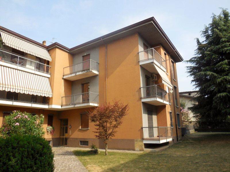 Appartamento in vendita a Capriate San Gervasio, 3 locali, prezzo € 90.000 | Cambio Casa.it
