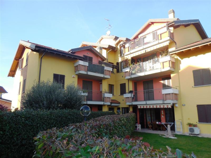 Appartamento in vendita a Pozzo d'Adda, 3 locali, zona Località: POZZO D'ADDA, prezzo € 129.000   Cambio Casa.it