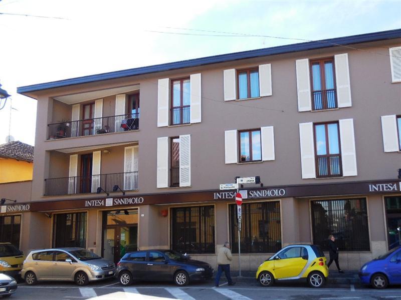 Appartamento in vendita a Vaprio d'Adda, 3 locali, prezzo € 150.000 | Cambio Casa.it